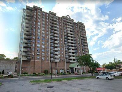 Vanier Apartment for sale:  2 bedroom  (Listed 2020-09-04)